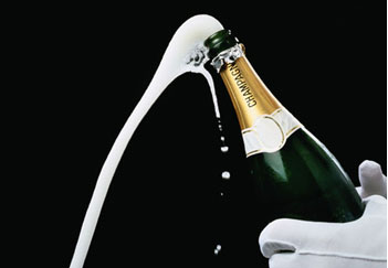 huyenthoai champange 2